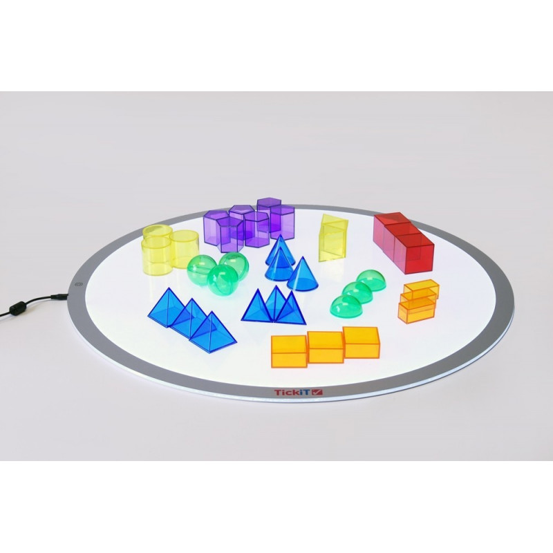Zestaw transparentnych brył geometrycznych