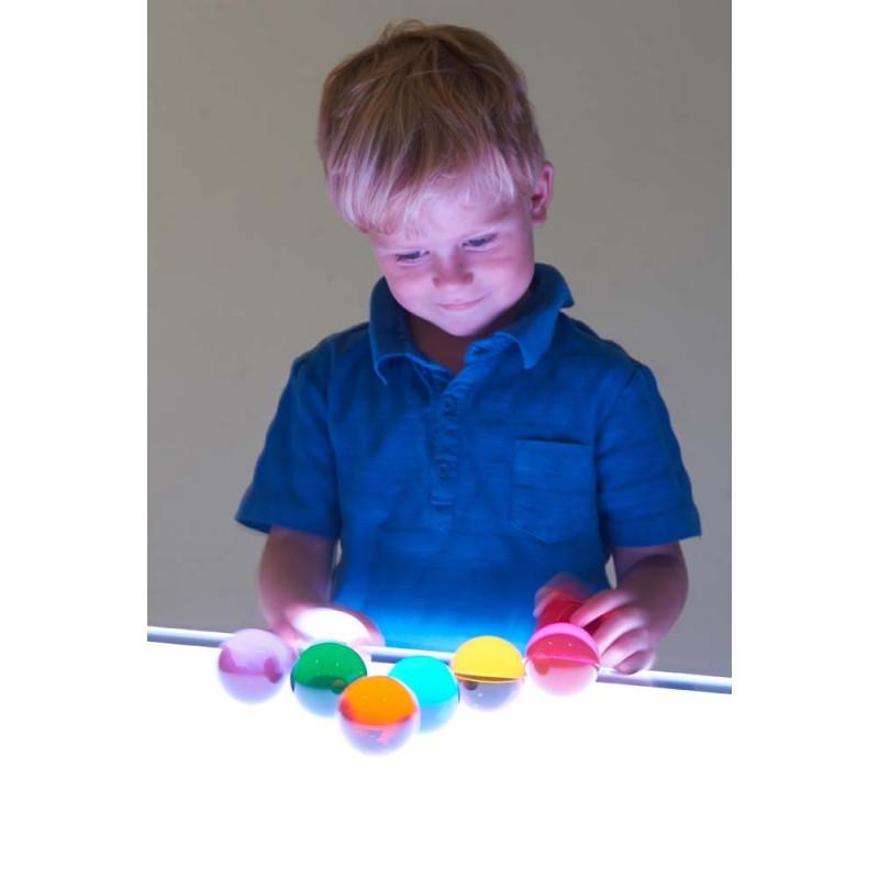 Zestaw kolorowych kul, pobudzających percepcję wzrokową