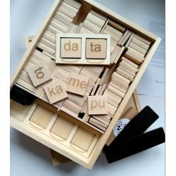 Skrzynka Sylabowa. Pomoc Montessori (pomoc dydaktyczna)