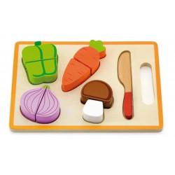 Drewniane warzywa do krojenia na desce
